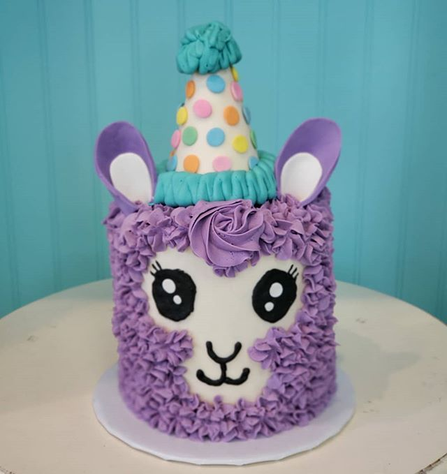 And Ready To Party In Her Little Hatllama Llamas Austin Austincakes Cake Cakedecorating Atx Texas Birthday Birthdaygirl Birthdaycake