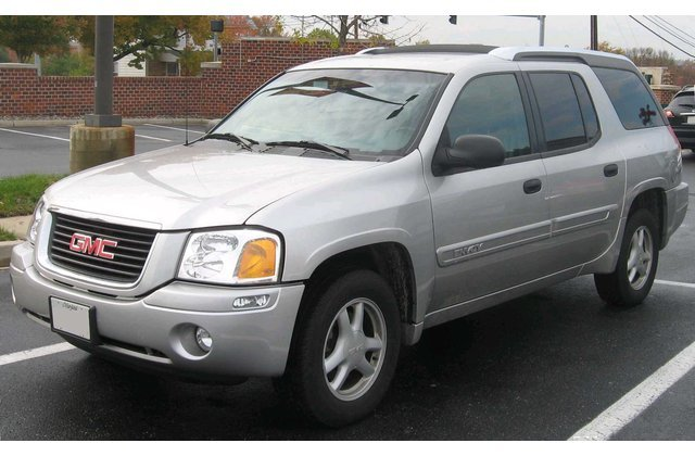 Gmc Envoy Could Come Back As Mid Size Crossover As Gm Files For Trademark Gmc Envoy Gmc Gmc Vehicles