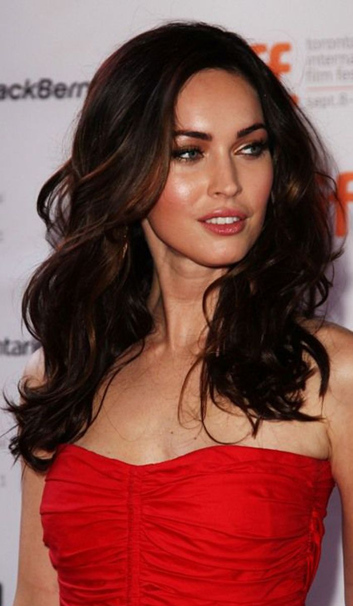 20 Super Inspiring Megan Fox Hairstyles Discover Yourself As A Celebrity In 2020 Megan Fox Haircut Megan Fox Pictures