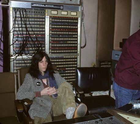 Patti-mixing-studio1.jpg 458×406 pixels