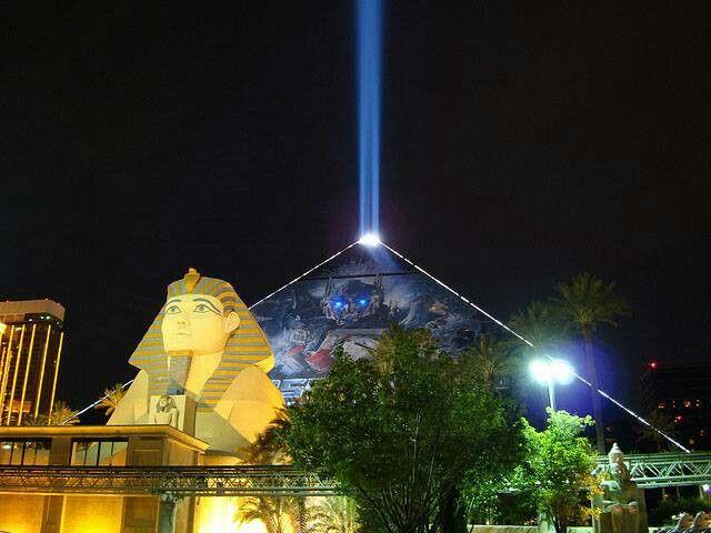 Las Vegas Nevada The electric bill for the Luxor pyramidu0027s shining light is $51 per & Las Vegas Nevada The electric bill for the Luxor pyramidu0027s ... azcodes.com
