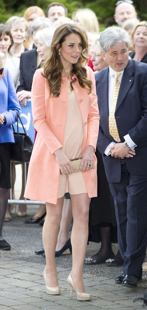 Kate Middleton Photos Photos: Kate Middleton Visits a Children\'s ...