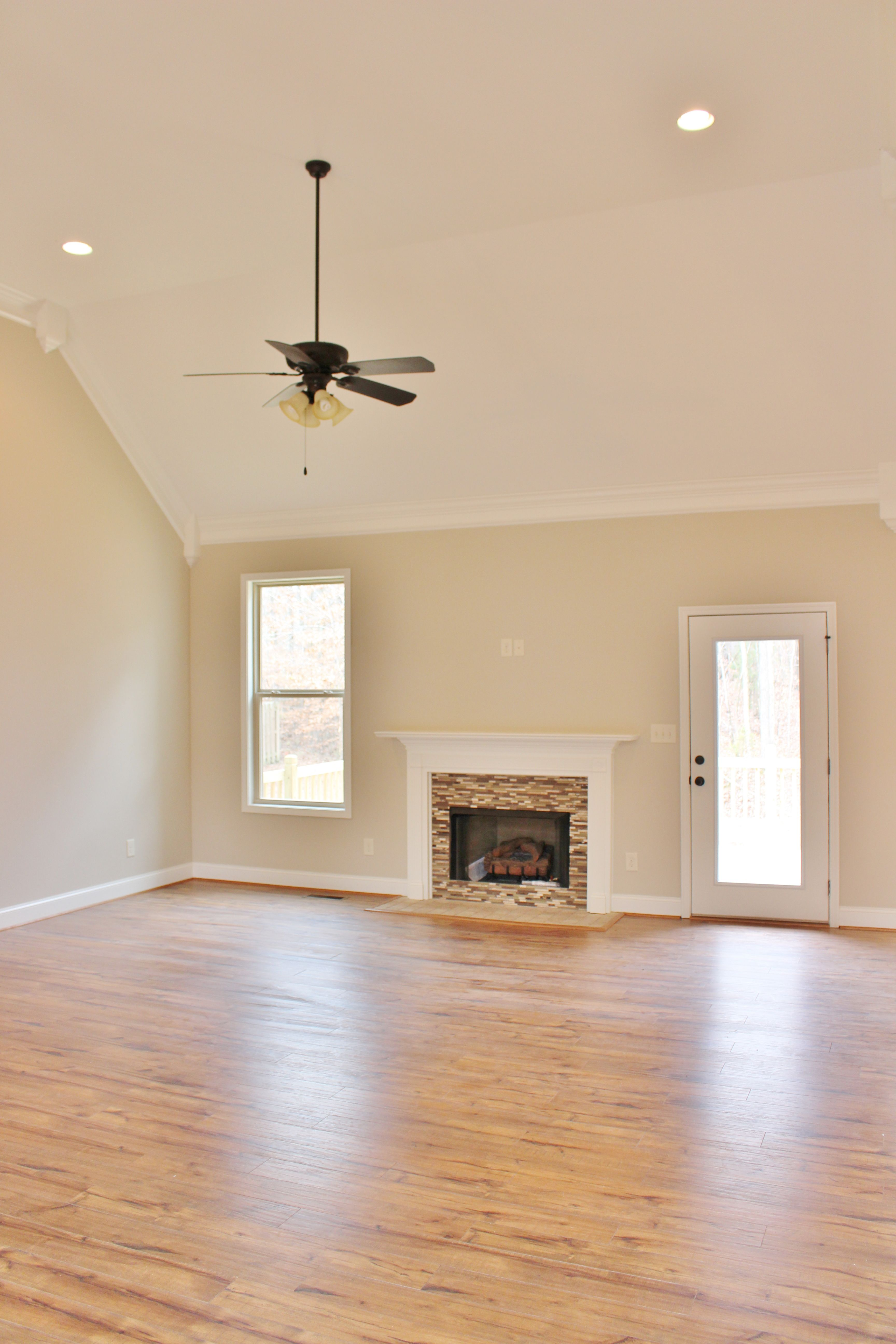 Great Room Cream Walls Great Rooms White Ceiling
