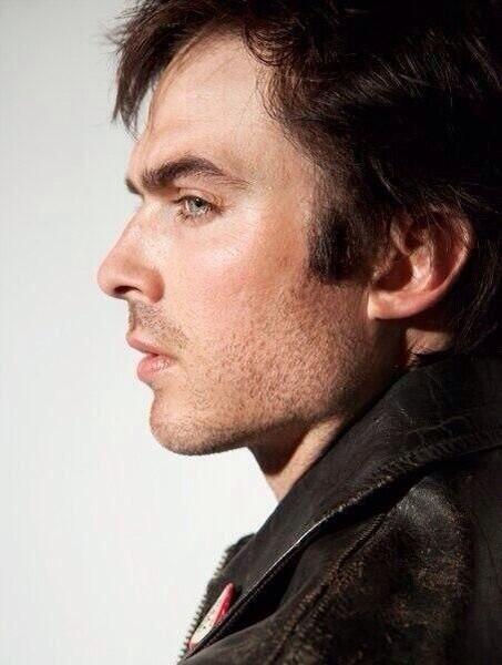 Vampire Diaries Season 5: New Damon Pic — Ian