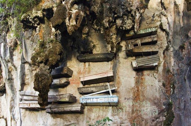 Hanging Coffins In The Philippines Sagada Philippines Travel Philippine Tours