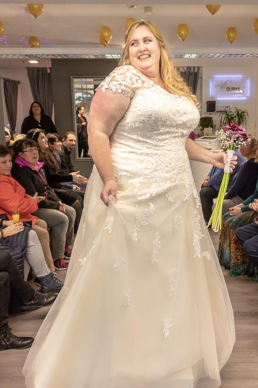 Modenschau Eröffnung in 11  Kleid hochzeit, Kleider, Modenschau