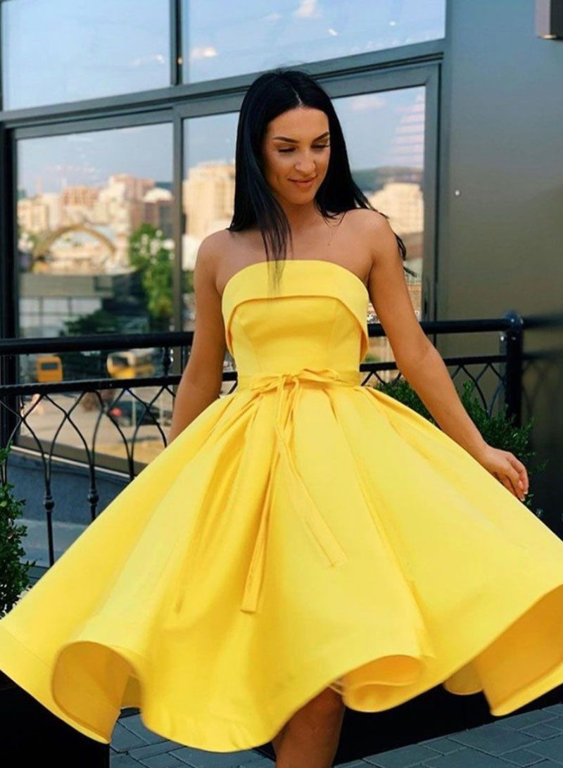 Princess A Line Strapless Yellow Homecoming Party Dresses In 2021 Yellow Homecoming Dresses Homecoming Dresses Satin Homecoming Dress [ 1091 x 800 Pixel ]