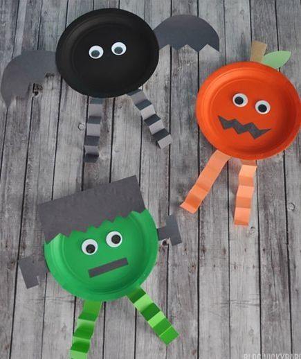 Grab some colorful paper plates DIY Halloween, Craft and Homemade - halloween decorations for kids to make