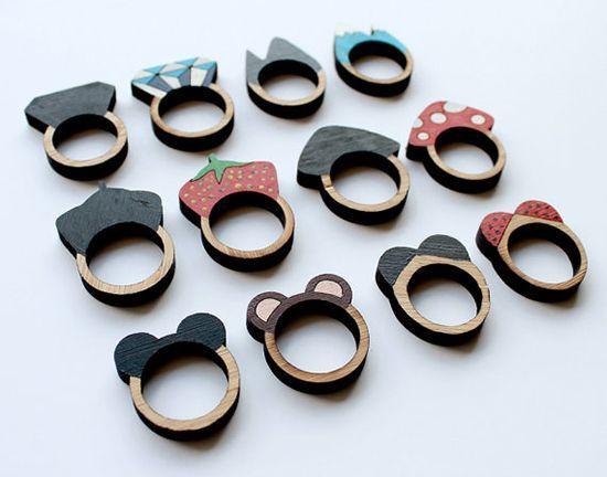 Vem ver os mais variados tipos de bijoux em madeira, produzidas em diferentes técnicas e estilos. Vejas como são lindas