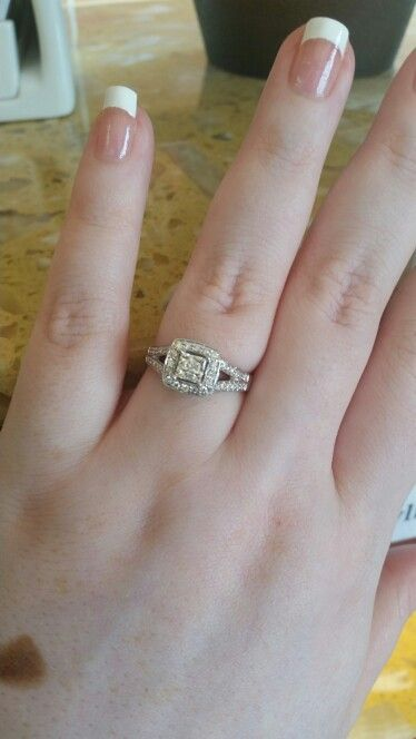 My engagement ring! #hewenttojared
