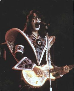 The Kiss Guitars Now And Then In Words And Pictures Ace