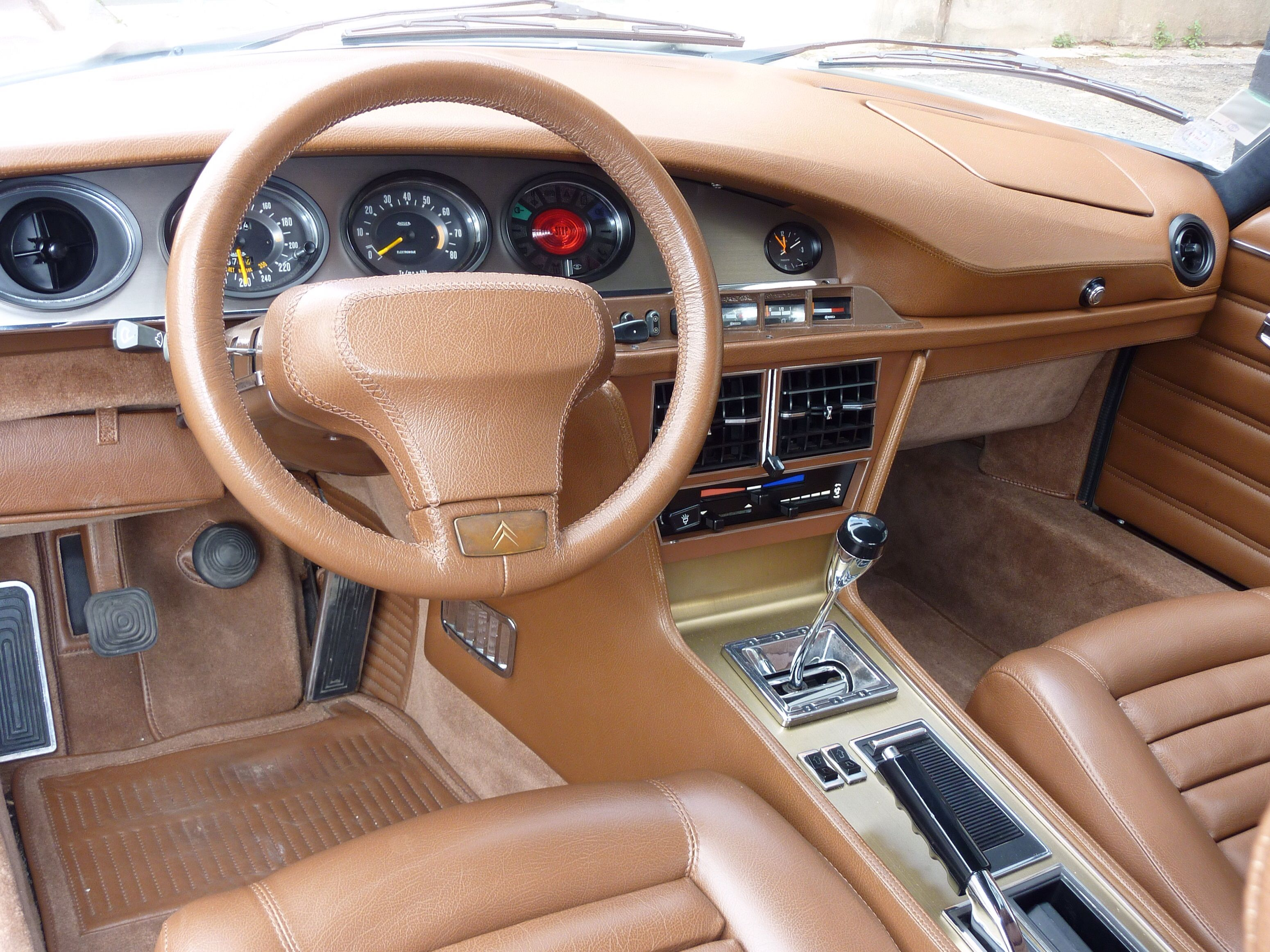 Sm with leather dashboard my style pinterest for Interieur 1970
