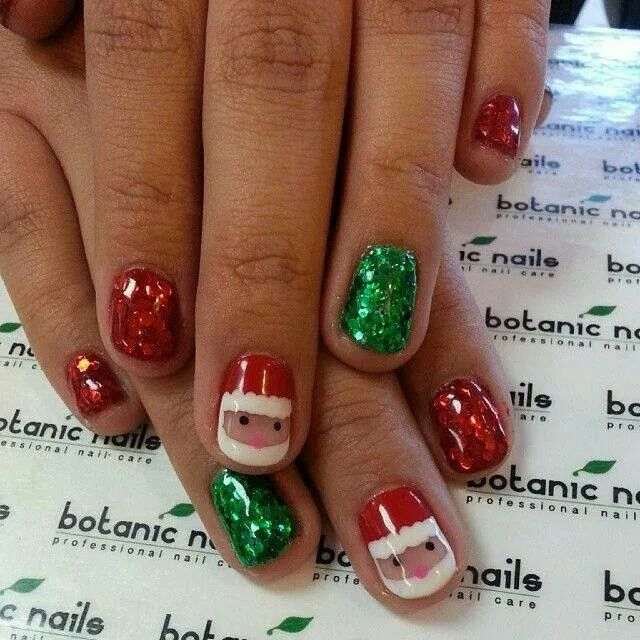 Day 350 Red Green Gold Nail Art With Images Christmas Nails Christmas Nail Art Designs Christmas Nails Easy