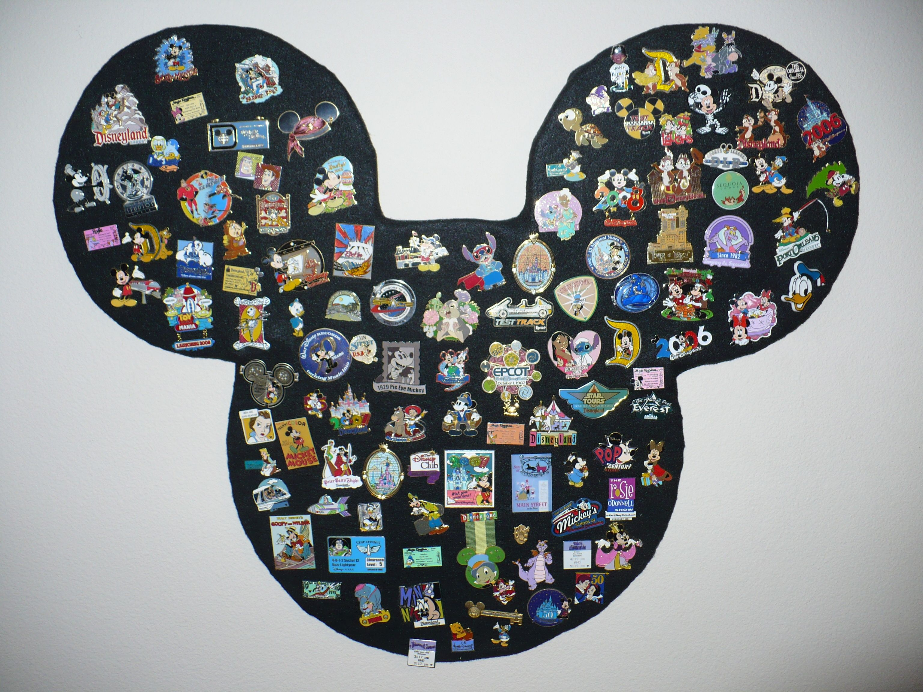 how to get disney pins