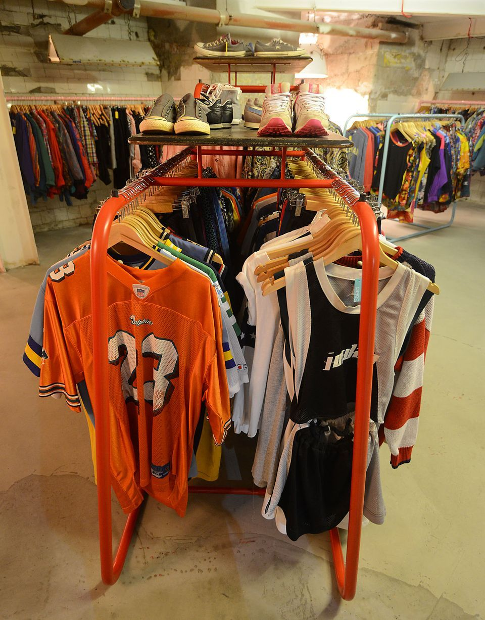 Shopping New Moo Ve To Northern Quarter For Vintage Clothes Store Cow Vintage Outfits Shopping Clothing Store