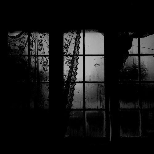 Atmosphere Of Fear And Horror In The Black Cat