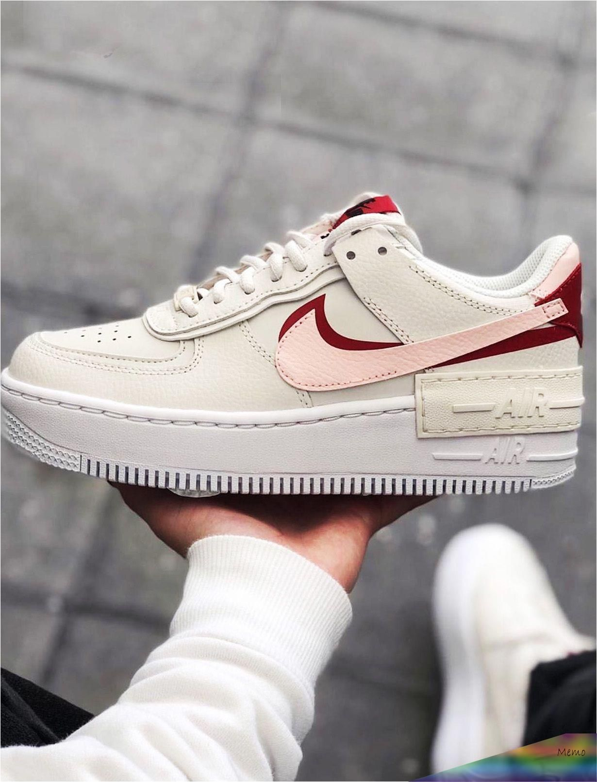Jan 13 2020 Si J A C Prouve Des Sentiments Pour Une Paire De Baskets Je Crois Bien Que Oui A I A I In 2020 Casual Shoes Outfit Nike Air Shoes White Nike Shoes