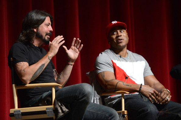 """Dave Grohl Photos - Premiere Of The Recording Academy's """"A Death In The Family: The Show Must Go On"""" - Zimbio"""