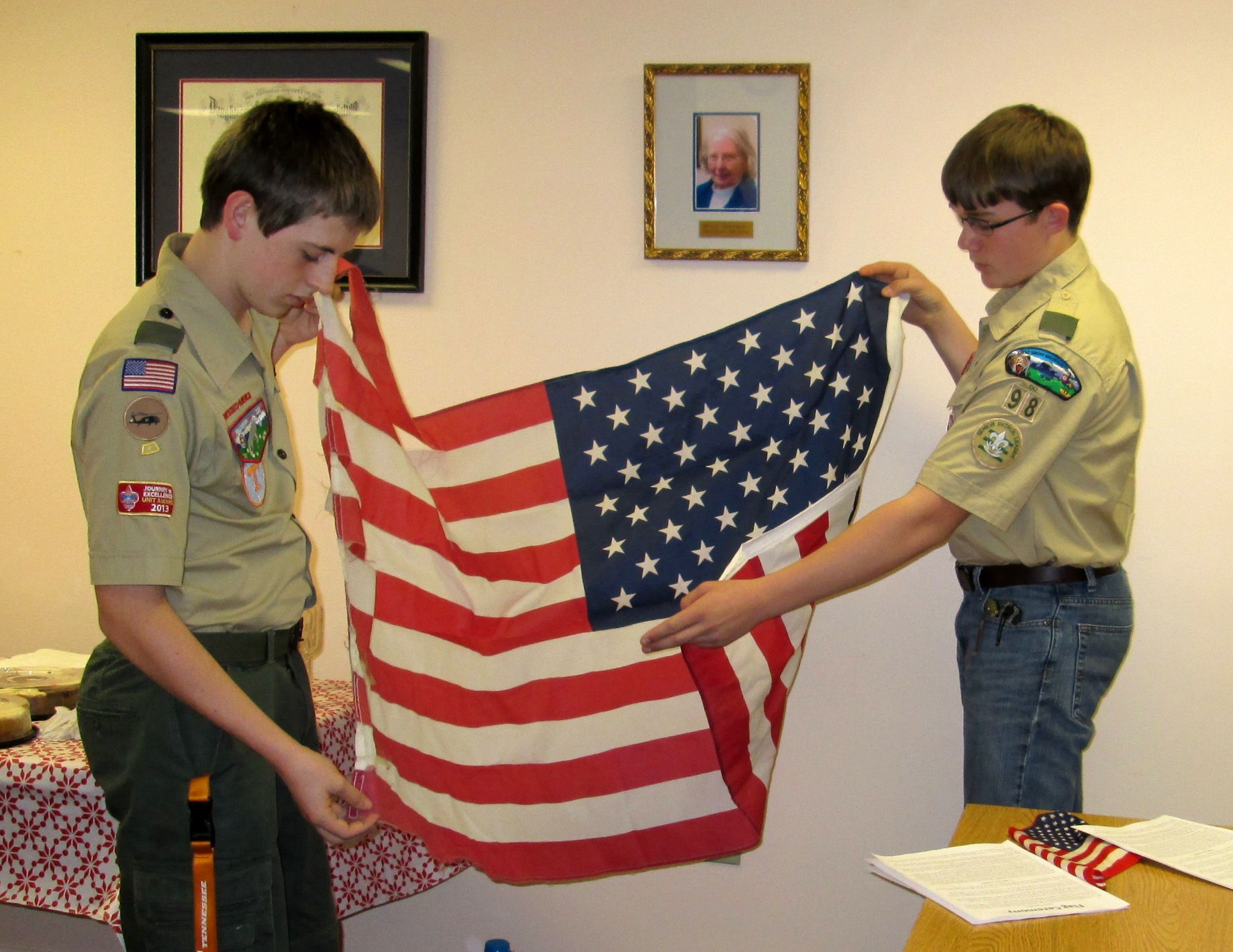 Boy scouts william ogles and rob wheeler demonstrated the
