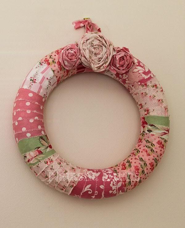 Make wreath in heart shape