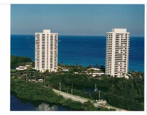 Here is a lovely bright and open oceanfront condo with two beds and two baths