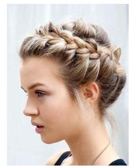Diferentes estilos para cabello largo que puedes usar para diferentes ocasiones....  Elige alguna y ven a Vanilla a que te los hagamos...  Llámanos y haz tu cita 40050347