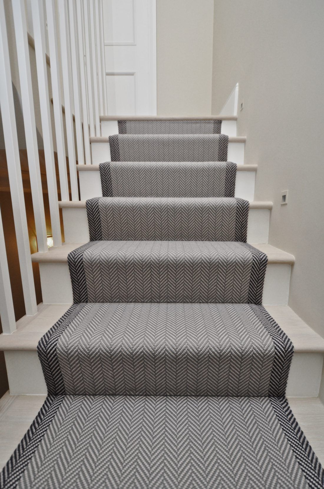 Best Felton Bespoke Herringbone Off The Loom Stair Runner 640 x 480