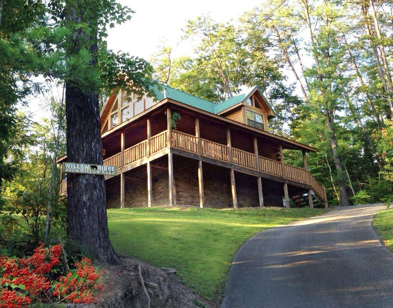 Golden Light, Morning Birdsong... - vacation rental in Gatlinburg, Tennessee. View more: #GatlinburgTennesseeVacationRentals