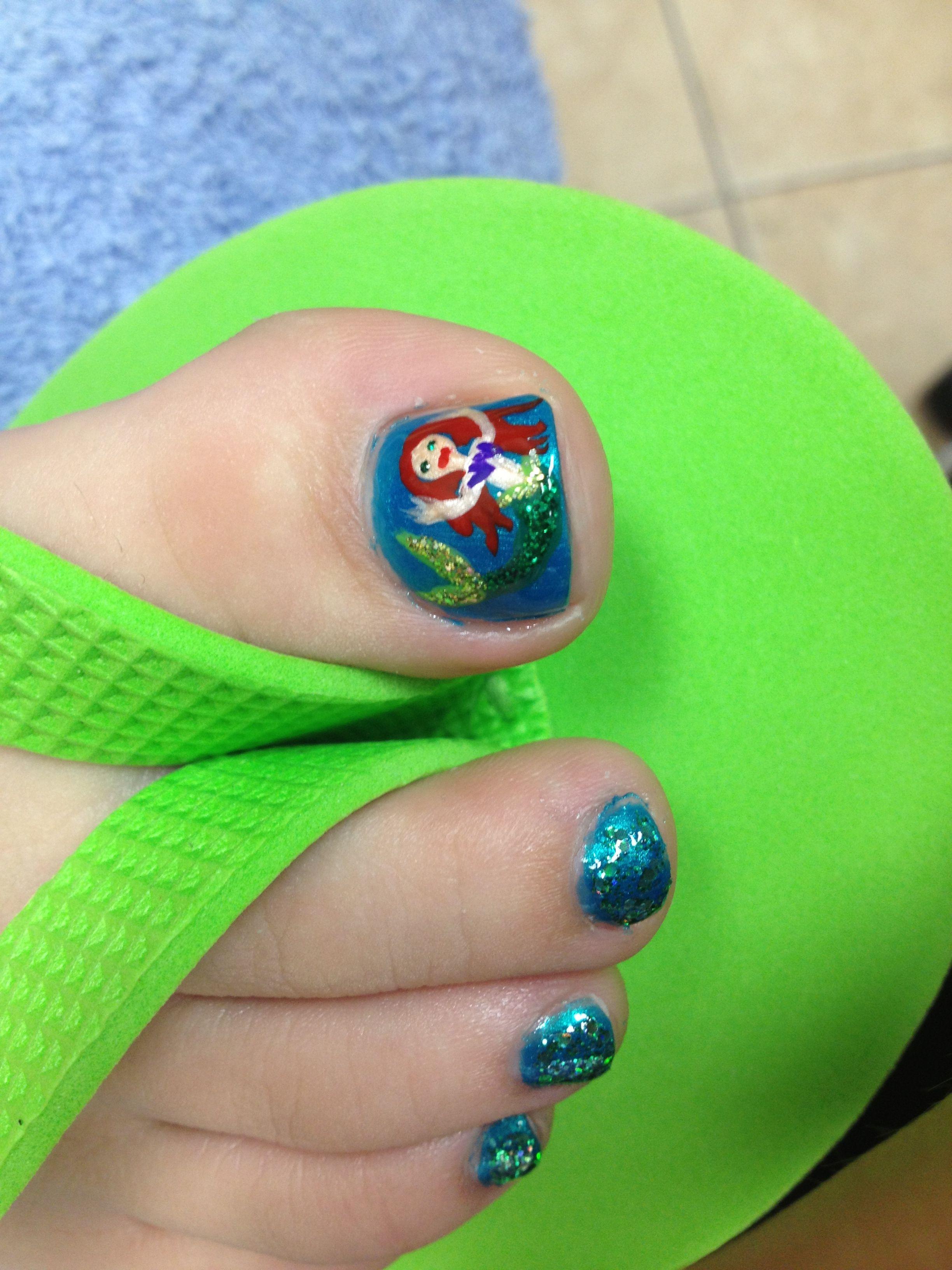 Mermaid toenail art | Nails! | Pinterest | Meerjungfrauen, Kunst und ...
