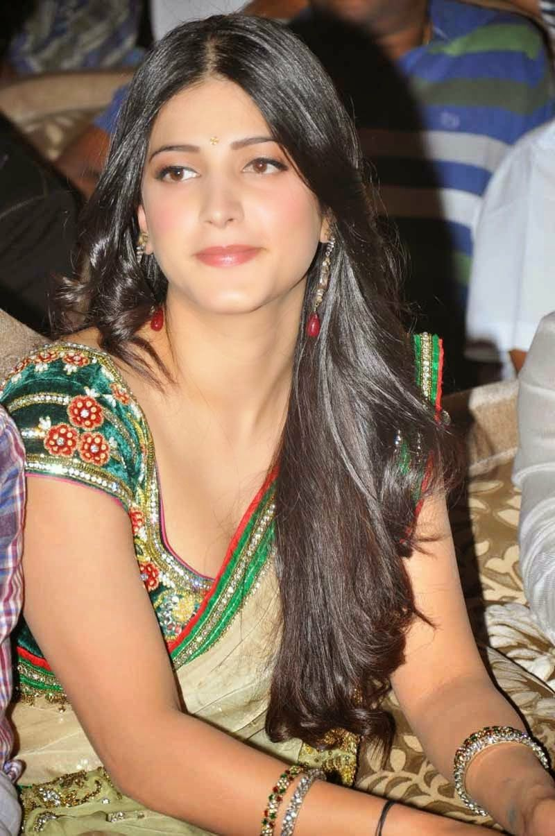 Shruti Hassan Hot Cleavage And Navel Hd Photo Saree -8403