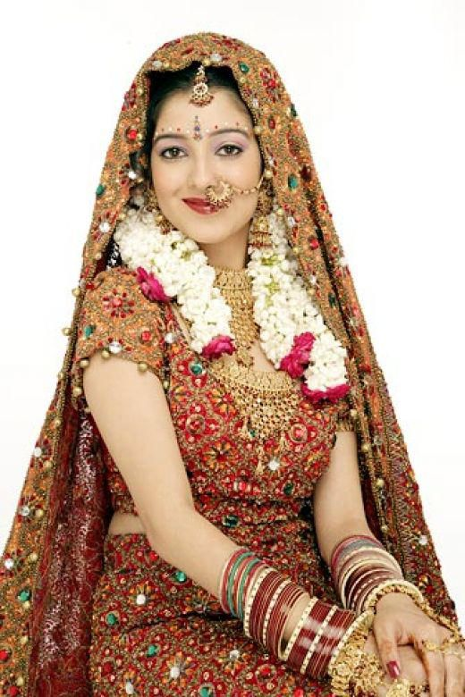 19 Bridal In Typical Indian Traditional Dress