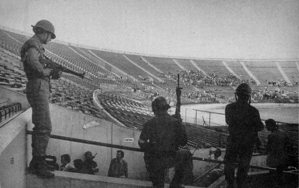Resultado de imagen para estadio nacional de chile un dictadura