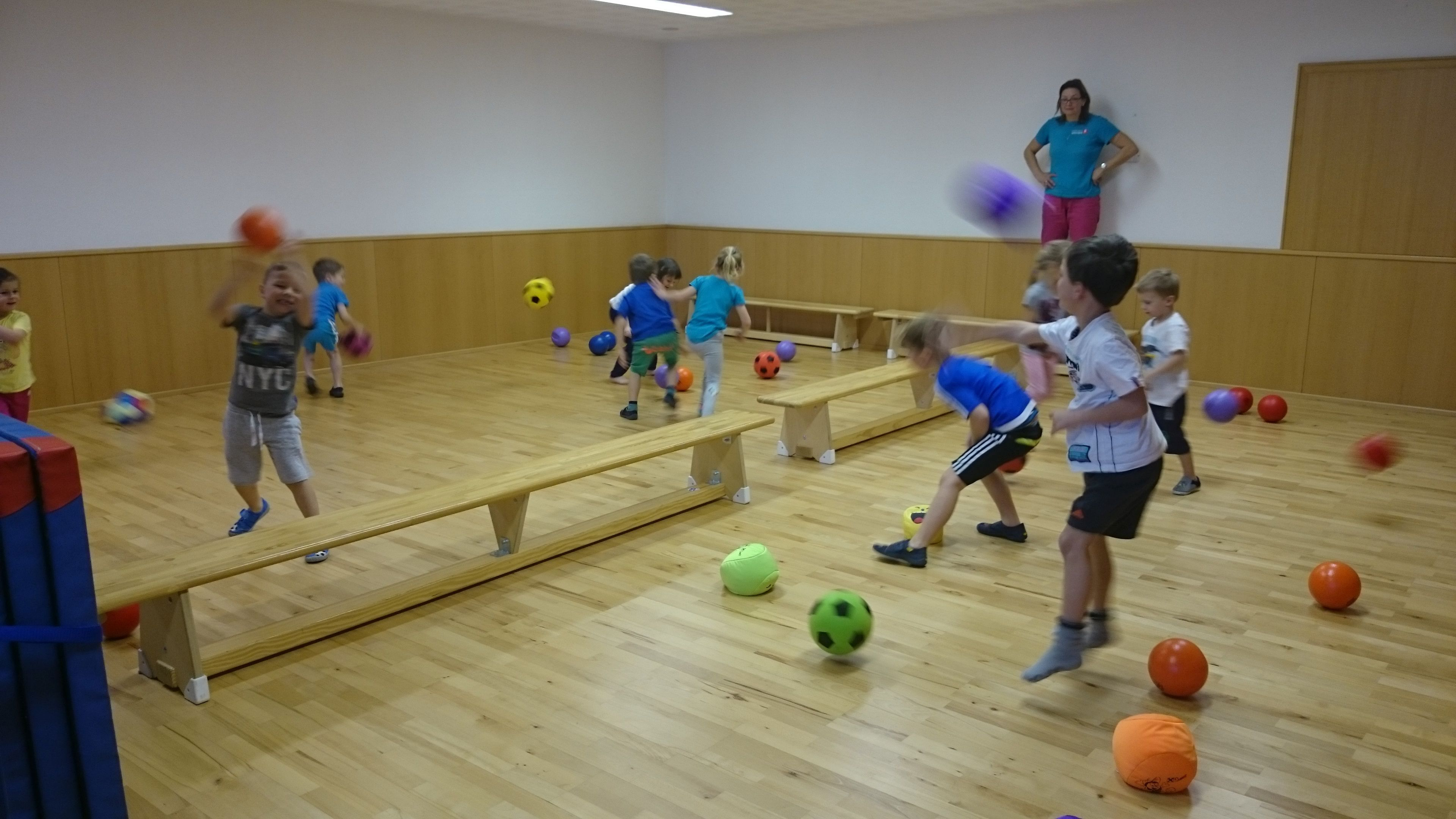 Kinderspiele Mit Ball