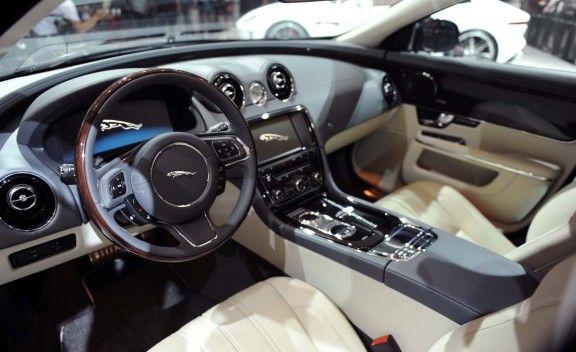 The 2013 Xj A Luxury Sedan With Multiple Personalities Jaguar Orlando Blog Http Www Katefrostinc Com Jaguar Xj Dream Cars Jaguar