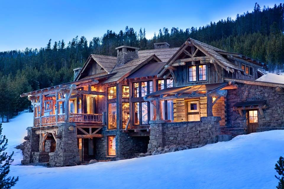 Daily Features Dering Hall Inside A Rustic Montana Vacation Home Designed For A Family That Loves To Entertai Rustic Exterior Rustic Retreat Mountain Homes