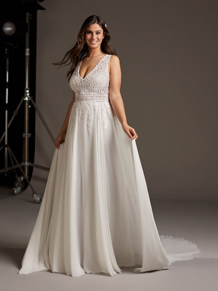 Try It On At Ellie S Bridal Boutique Alexandria Va Pronovias
