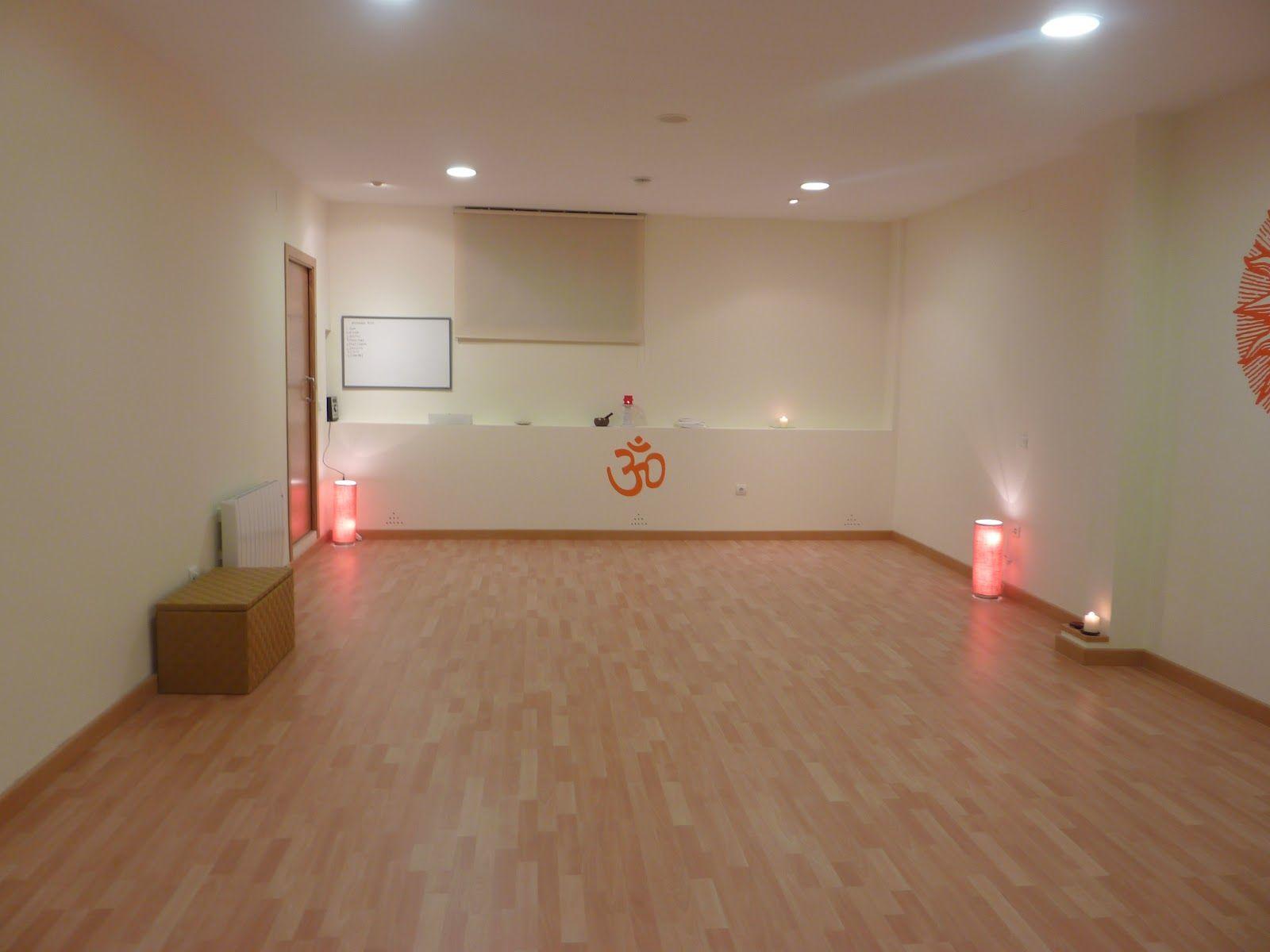 Sala De Yoga  Buscar Con Google