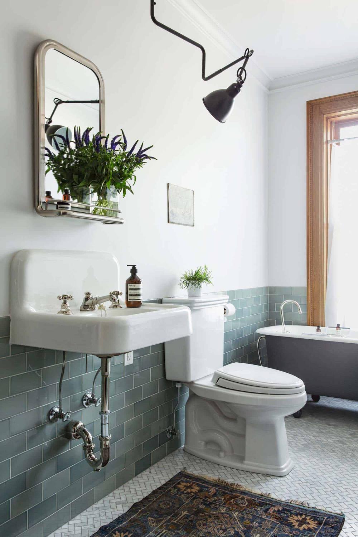 Brilliant Renovation Of A Five Story New York City Townhouse Classic Bathroom Tile Green Bathroom Bathroom Tile Designs