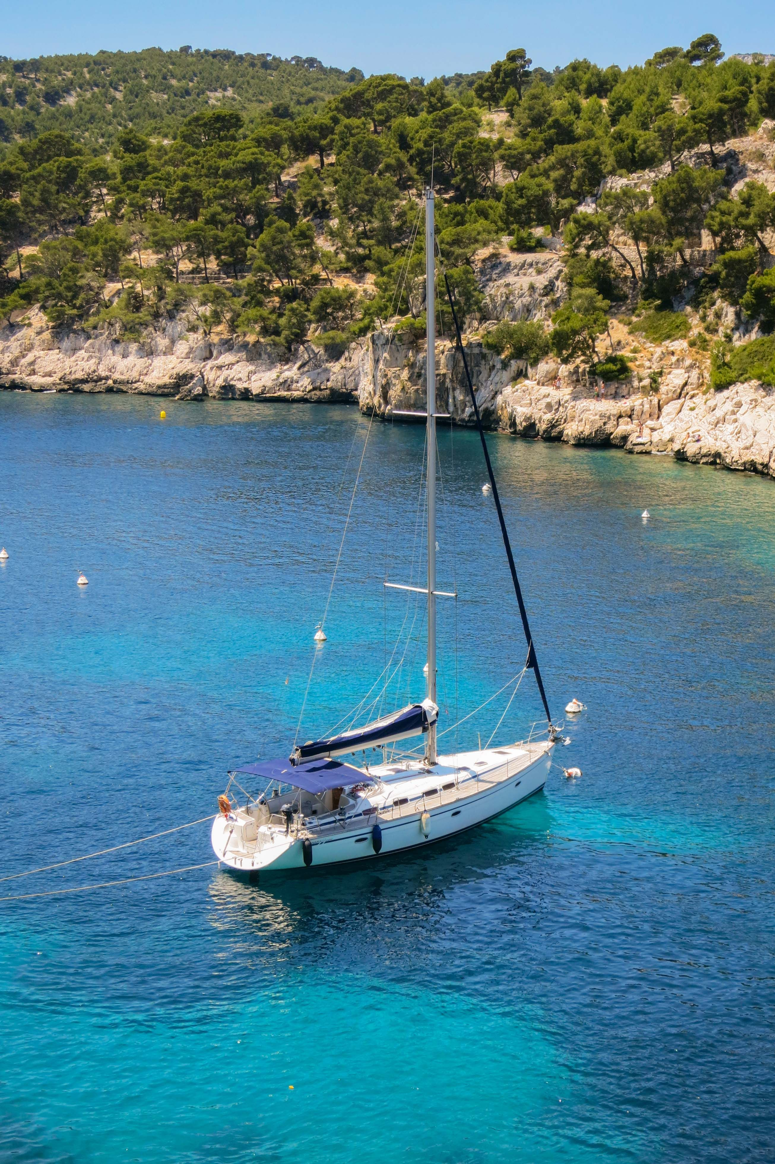Location Canoe Cassis Port Pin Cassis France Sailing Pinterest France South Of