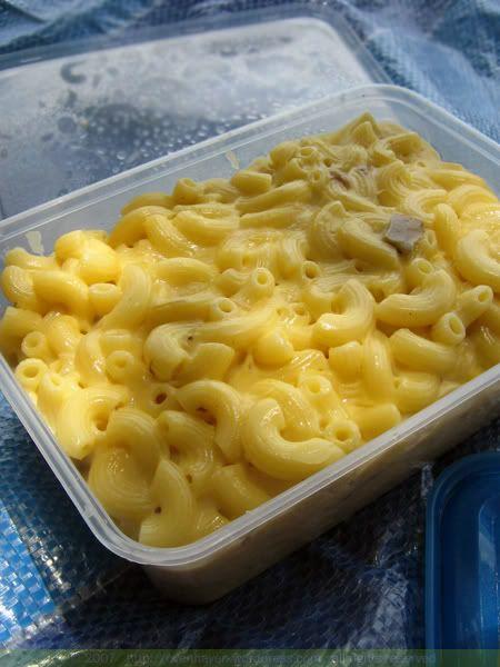 easy mac n cheese. i hate u tasha fr making me crave