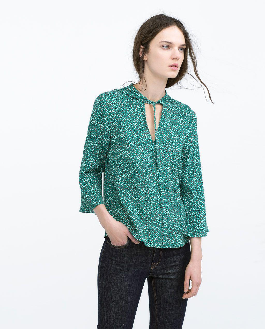 Camicia stampata scollo a v con fiocchi camicie donna for Zara uffici milano