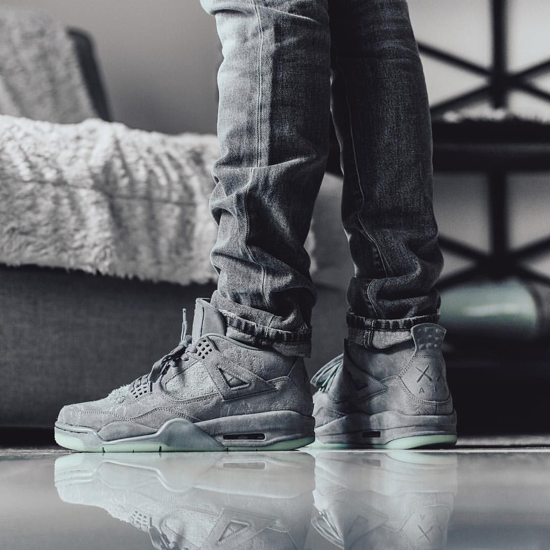size 40 72a4b 14bb5 KAWS x Nike Air Jordan IV | shoes♥️♥️ in 2019 | Sneakers ...