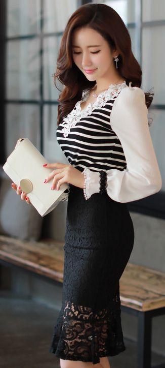 StyleOnme_Floral Lace Mermaid Hem Skirt #black #lace #flounced #skirt #koreanfashion #elegant #feminine #kstyle #dailylook