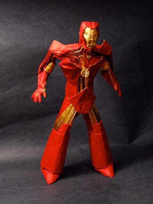 Iron Man origami  Modelo do origamista Brian Chan