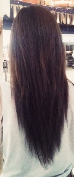 Long V Shaped Hair Love The Vcut Beautiful Straight Or With Waves Long Hair Styles Hair Styles Hair