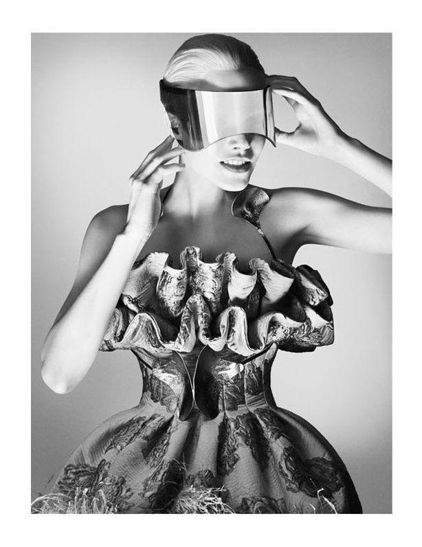Alexander-McQueen-Fall-Winter-2012-2013-Ad-Campaign