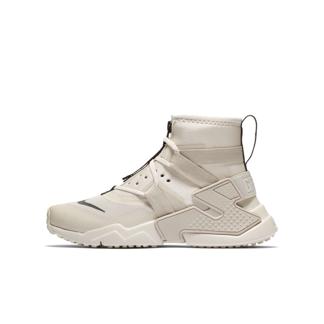 sale retailer 9c16e df9dc Nike Huarache Gripp Big Kids  Shoe Size 6.5Y (Desert Sand)