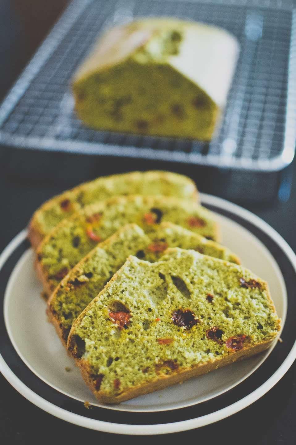 Chinese Wolfberry (Goji Berry) Matcha Cake Green tea