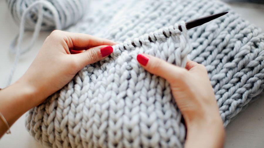 DIY Knitted Snood: 10mm straight needles, 2 Skeins Rowan 100% Merino 'Big wool' (100g, 87 yds per skein), Knitter's  needle or tapestry needle
