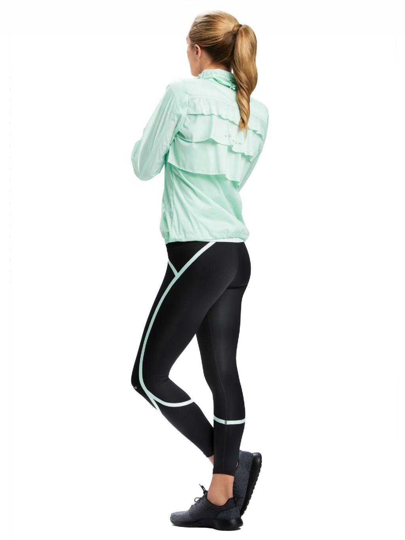Švédsky výrobca športového oblečenia Röhnisch vám prináša novú kolekciu zo ženskej perspektívy. Cíťte sa aj pri športe pohodlne a príťažlivo.